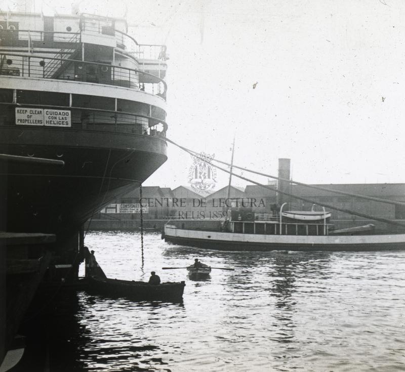 Vaixells amarrats al port