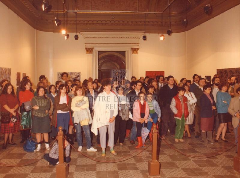 Lectura interpretada de la peça de teatre breu  «El bell lloc» (1958) de Joan Brossa, a càrrec del Col·lectiu de Teatre La Vitxeta