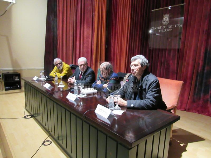 """Presentació del llibre """"El retorn dels Bassat"""" a càrrec de Vicenç Villatoro i Lluís Bassat, presentació de l'acte Andreu Lascorz"""