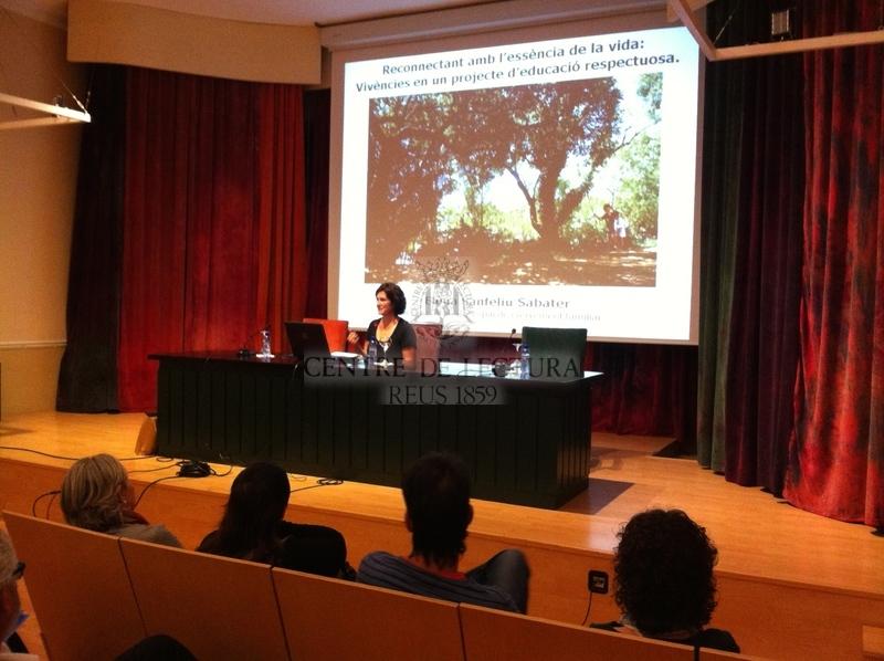 """Conferència: """"Vivències en un projecte d'educació respectuosa: reconnectant amb l'essència de la vida"""", a càrrrec d'Elena Sanfeliu Sabater"""
