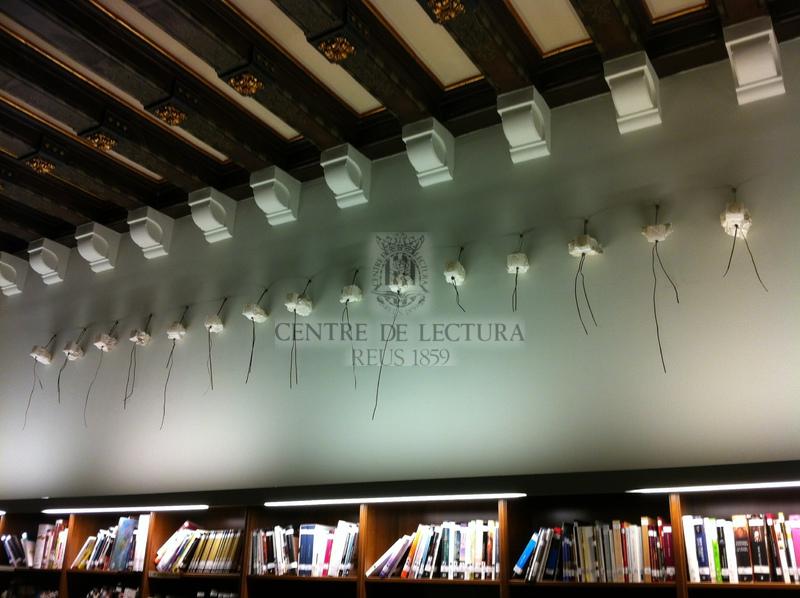 Mirades en escac: inauguració de l'exposició i instal·lació a la sala Miquel Ventura de la biblioteca de l'obra Gotterdammerung (el crepuscle dels déus), de Salvador Juanpere