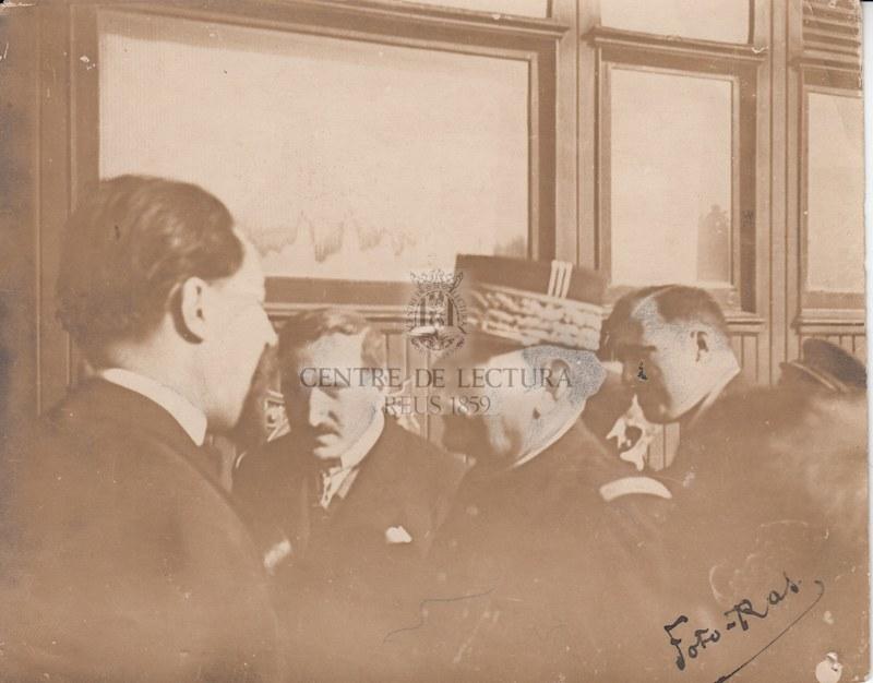 Mariscal Rosellonès Joffre i Gabriel Ferraté a l'estació de Reus.