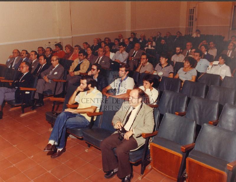 """Presentació del llibre """"La Crisi del Priorat"""", publicat per les Edicions del Centre l'any 1982"""