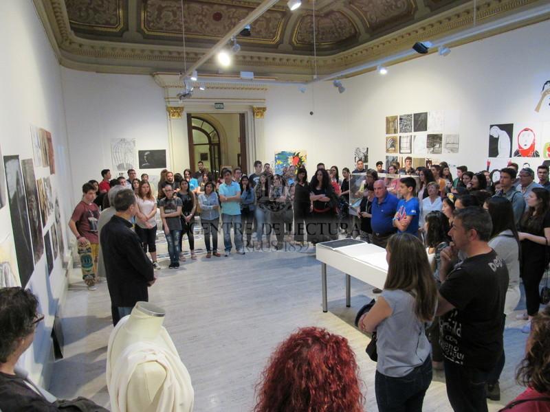 """Inauguració de l'exposició """"Batxillerat Artístic Gabriel Ferrater. Promoció 2014-2016"""""""