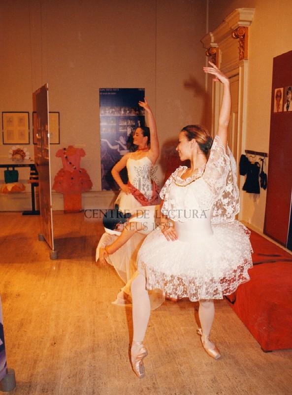 """Exposició """"50 anys de l'Escola de dansa del Centre de Lectura"""""""