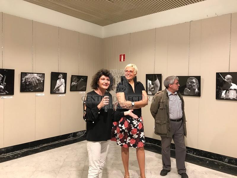 """Inauguració de l'exposició """"Le jazz au bout des doigts"""" (""""Els dits de jazz"""") de Sophie Le Roux"""