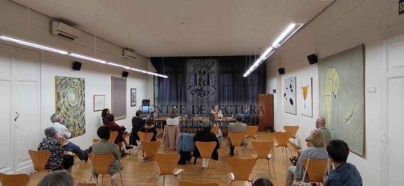 """Presentació del llibre """"Ubuntu. La república del bé comú"""" de Raül Romeva a càrrec d'Aleix Villatoro, Meritxell Serret i Noemí Llauradó"""
