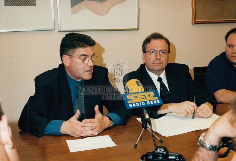 Signatura de conveni entre Ràdio Reus-Ser i el Centre de Lectura