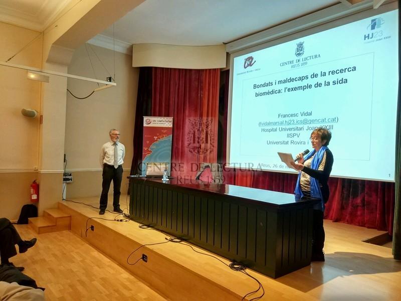 """Conferència """"Bondats i maldecaps de la investigació biomèdia: l'exemple de la sida"""", a càrrec del doctor Francesc Vidal"""