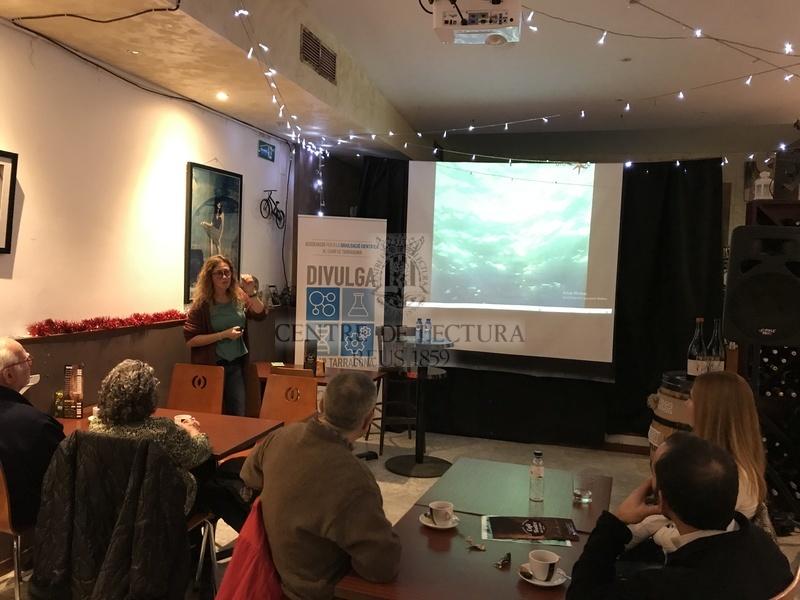 """Conferència """"La increïble vida sexual al fons del mar"""", a càrrec d'Elisabet Bonfill, oceanògrafa i divulgadora científica"""